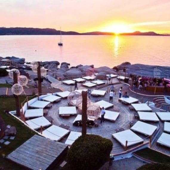 Phi Beach: Experience the best apertivo on the seaside